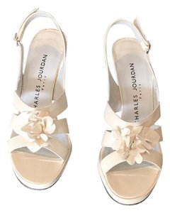 Charles Jourdan cream Pumps