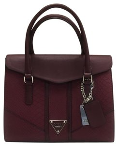 Guess Satchel in burgundy / red