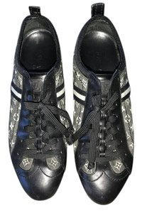 Louis Vuitton Sneakers black leather with LV monogram Flats