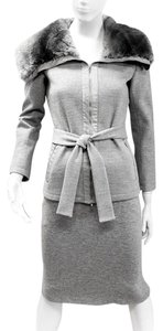 Max Mara MAX MARA 2 PIECE SET GRAY JACKET SKIRT WOOL BELT RABBIT FUR COLLAR 38