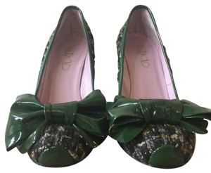 RED Valentino green Pumps