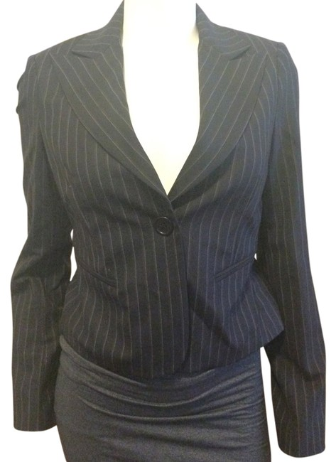 Preload https://item1.tradesy.com/images/bcbgmaxazria-navy-marilyn-the-single-suiting-wool-blend-blazer-size-2-xs-2085755-0-0.jpg?width=400&height=650