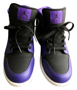 Nike purple and black Athletic