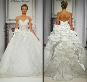 Pnina Tornai Off-white Lace Sweetheart Neckline Ball Gown Style # 3290 Traditional Wedding Dress Size 2 (XS)