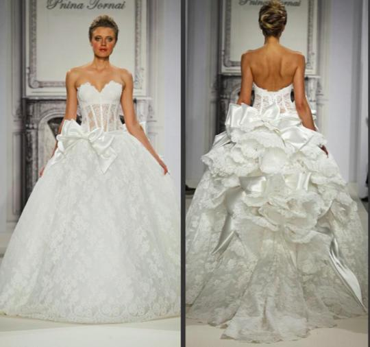Pnina Tornai Off-white Lace Sweetheart Neckline Ball Gown
