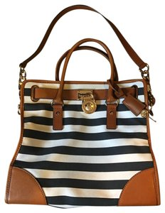 Michael Kors Satchel in navy and white