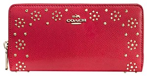 Coach BORDER STUD ACCORDION ZIP WALLET IN LEATHER
