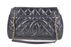 Chanel Caviar Tote in Black