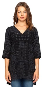Johnny Was Embroidered Eyelet V-neck 3/4 Sleeves Tunic