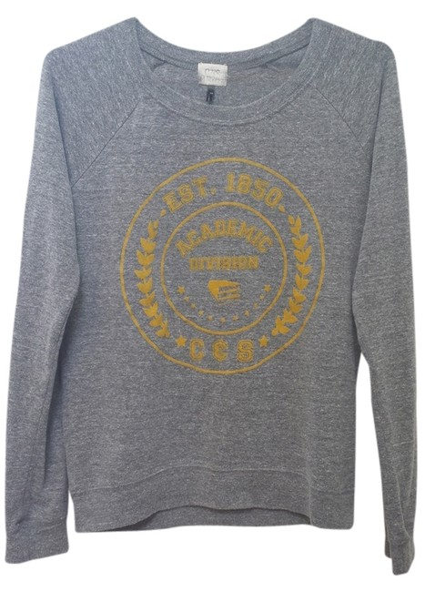 Preload https://item4.tradesy.com/images/c-and-s-gray-long-sleeve-crew-neck-sweatshirt-blouse-size-2-xs-2086068-0-0.jpg?width=400&height=650