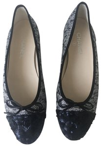Chanel Size 38 Metallic Silver Black Blue Flats
