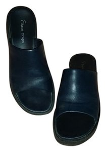 Bare Traps navy Sandals
