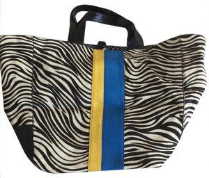 Juicy Couture Tote in zebra