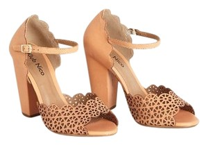 Klub Nico Light Peach/ Taupe Pumps