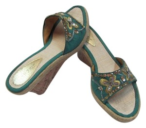 OLARO Size 10 Very Good Condition GREENISH/AQUA, GOLD, SILVER Wedges