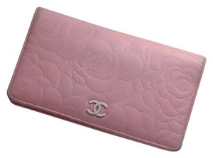 Chanel Auth. CHANEL CoCo Cameliia Genuine Leather Bifold Wallet