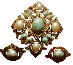 Sarah Coventry Silver toned turquoise and pearl set