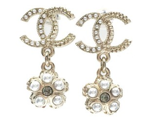Chanel Chanel Gold CC Flower Pearl Crystal Earrings
