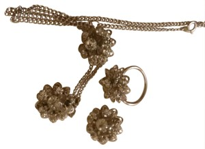 Sarah Coventry Silver toned flower set