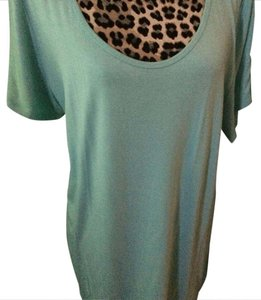 LuLaRoe T Shirt Light sage green