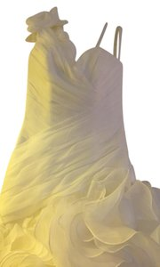 St. Patrick Soft White Capricho Wedding Dress Size 4 (S)