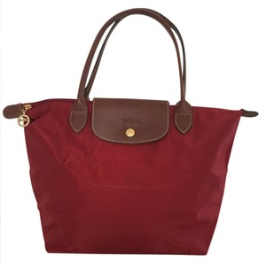 Longchamp Medium Shoulder Tote Tote in Red