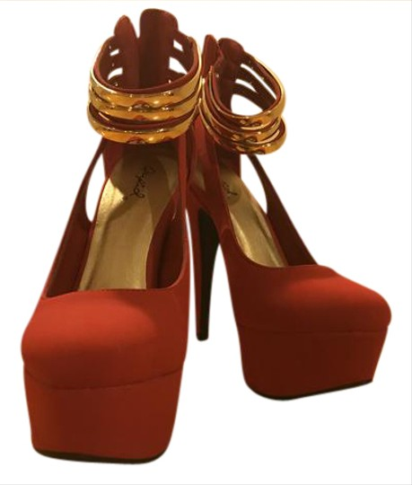 Qupid RED Pumps Image 0