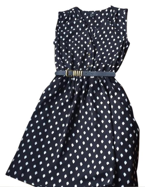Preload https://img-static.tradesy.com/item/20870885/h-and-m-black-and-white-belted-short-workoffice-dress-size-4-s-0-1-650-650.jpg