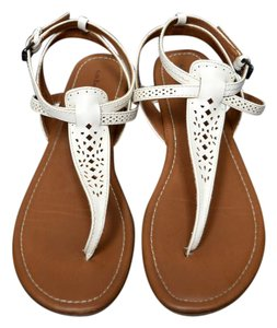 G.H. Bass & Co. T Strap Flats Leather White Sandals