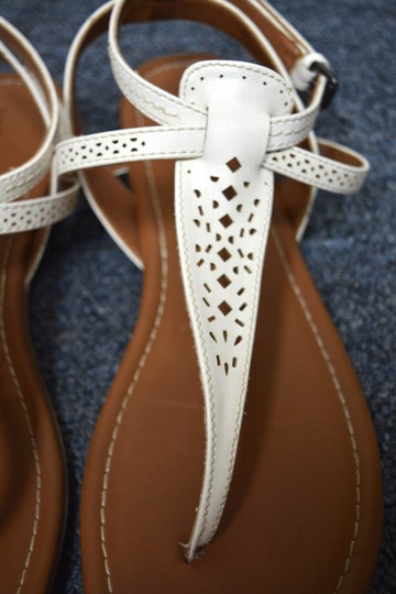 G.H. Bass & Co. T Strap Flats Leather White Sandals Image 3