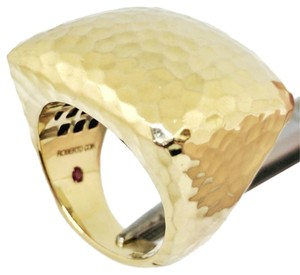 Roberto Coin Roberto Coin Martellato 18K Gold Hammered Square Large Dome Ring