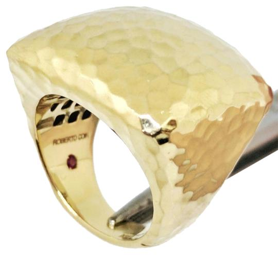 Preload https://img-static.tradesy.com/item/20871443/roberto-coin-martellato-18k-gold-hammered-square-large-dome-ring-0-6-540-540.jpg