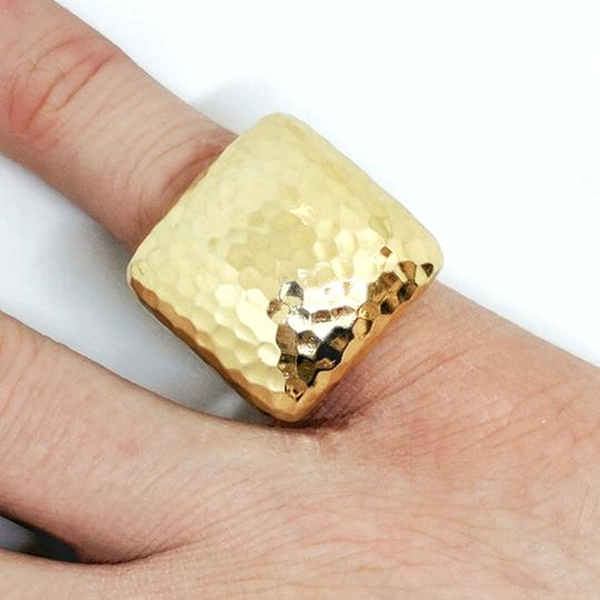 Roberto Coin Roberto Coin Martellato 18K Gold Hammered Square Large Dome Ring Image 9