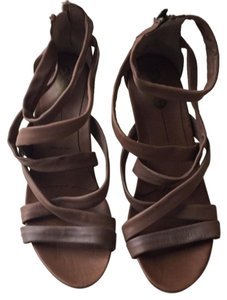 Yin Brown Sandals