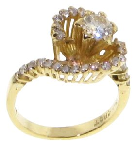 Other 18k Gold 2/5 center diamond w 3/10 carat side diamonds engagement ring