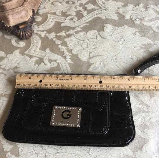 Guess Wristlet Image 10