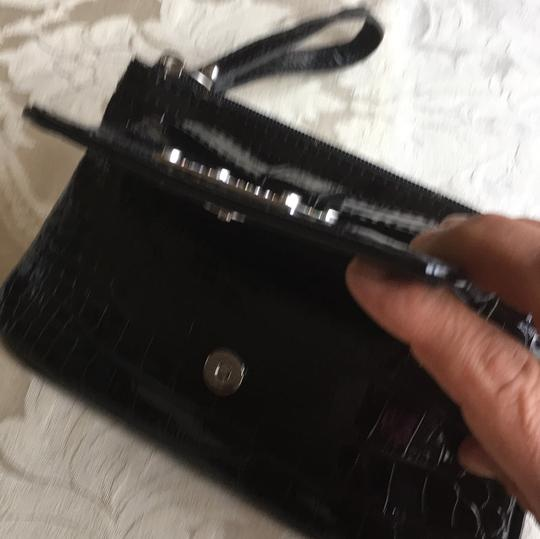Guess Wristlet Image 4