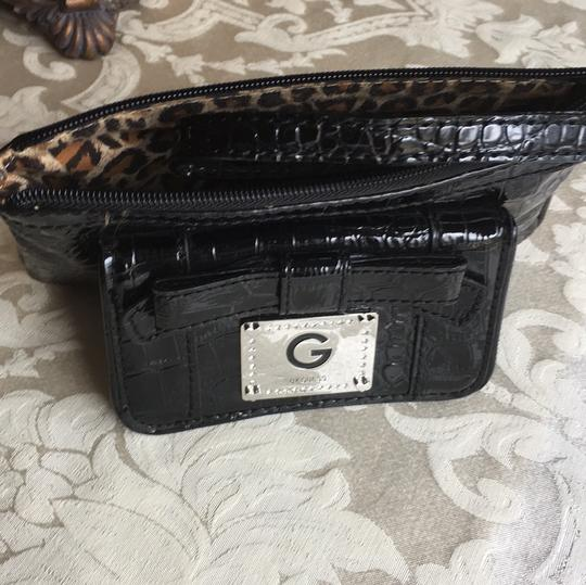 Guess Wristlet Image 7