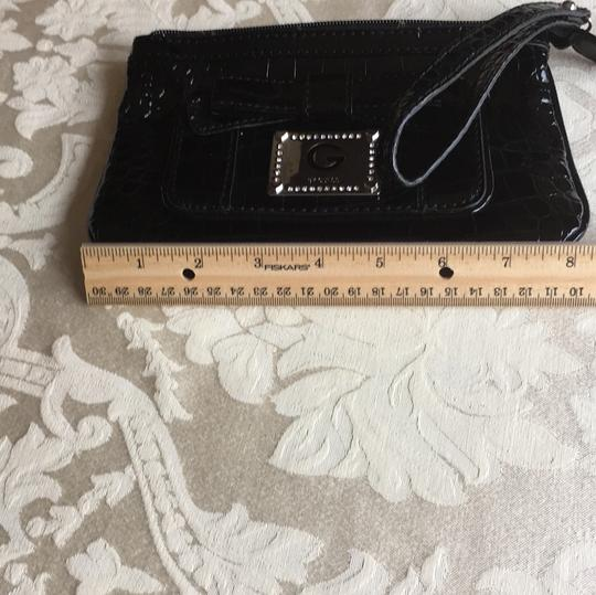 Guess Wristlet Image 9