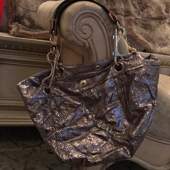 Jimmy Choo Tote in shiny silver Image 7