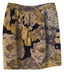 Beth Bowley Skirt black background with yellow/gold /gray