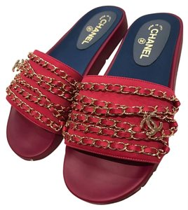 Chanel Chain Classic Slide Mule Soldout fuchsia Sandals