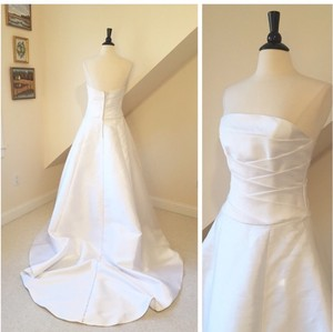 White Mikado Poly 9836 Modern Wedding Dress Size 8 (M)