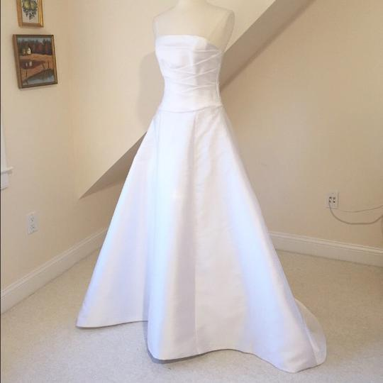 White Mikado Poly 9836 Modern Wedding Dress Size 8 (M) Image 3