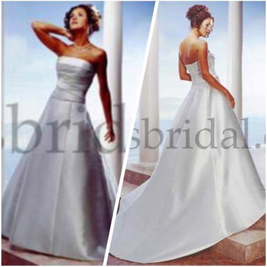 White Mikado Poly 9836 Modern Wedding Dress Size 8 (M) Image 4