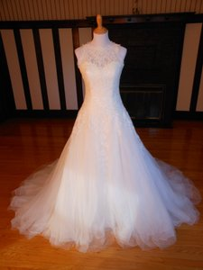 Pronovias Ilaurita Wedding Dress