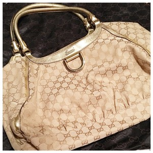 Gucci Tote in Gold, Tan