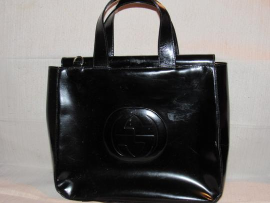 Gucci Large Embossed Gg Dressy Or Casual Excellent Vintage Two Way Style Soho/Blondie Look Satchel in black patent leather Image 6