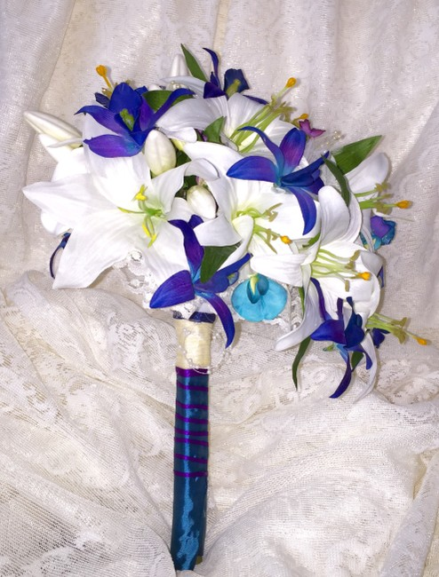 Item - White Blue and Purple Hand Painted Dendrobium Orchid Lily Bouquet
