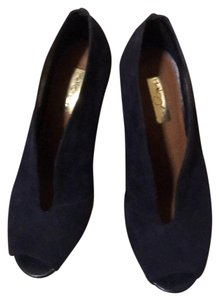 Halogen navy Pumps